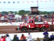 File:Truck Pull 2011 Mackville Nationals.ogv