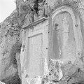Twee reliëfs in de rotsen van de vallei van Nahr el Kelb, Bestanddeelnr 255-6447.jpg