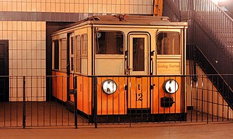 Klosterstraße (Berlin U-Bahn) - Preserved historic train car at north end of platform