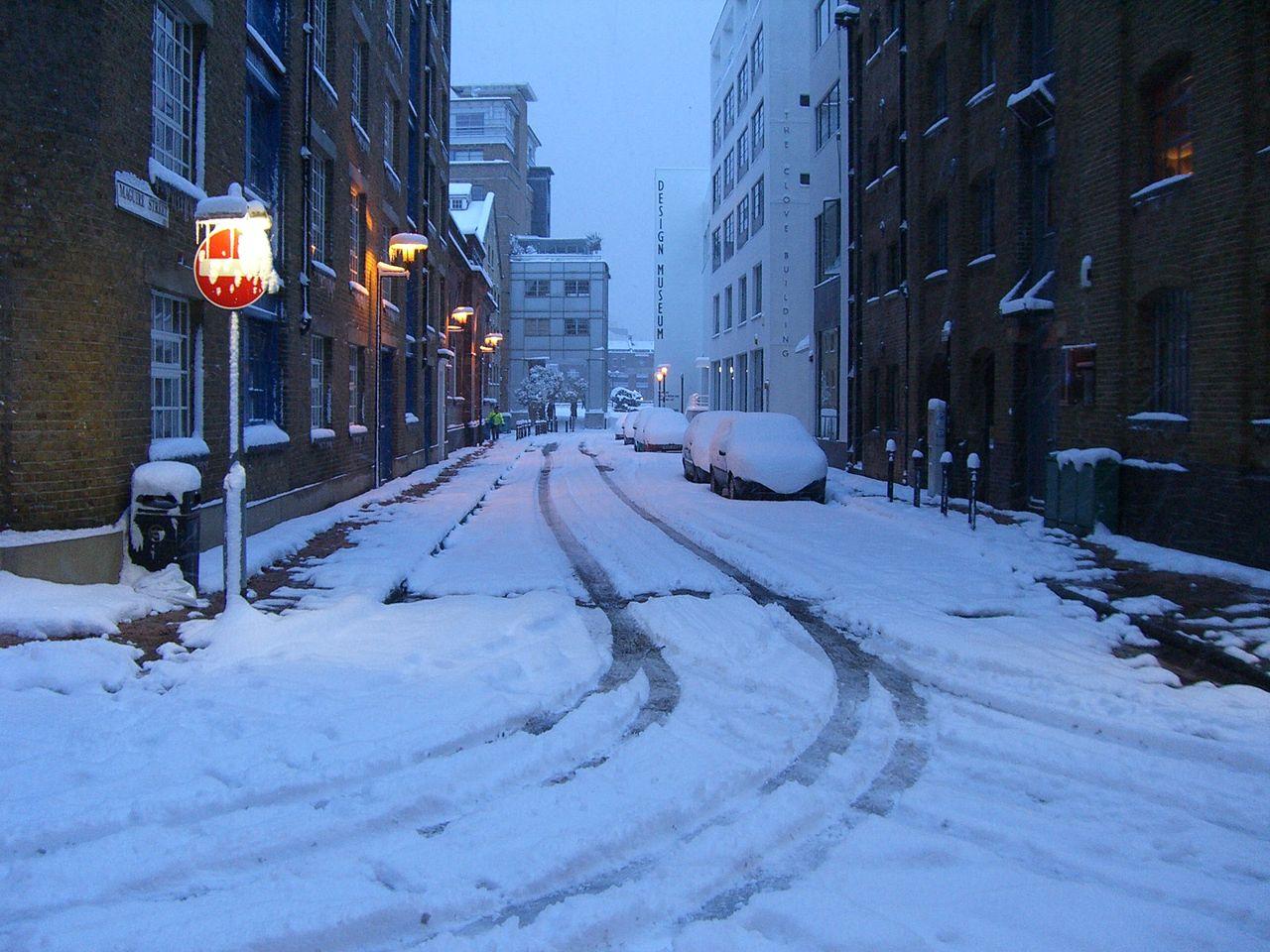 File:UK snow February 2, 2009 img007.jpg - Wikimedia Commons