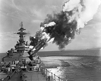 The U.S. Navy battleship USS New Jersey (BB-62...