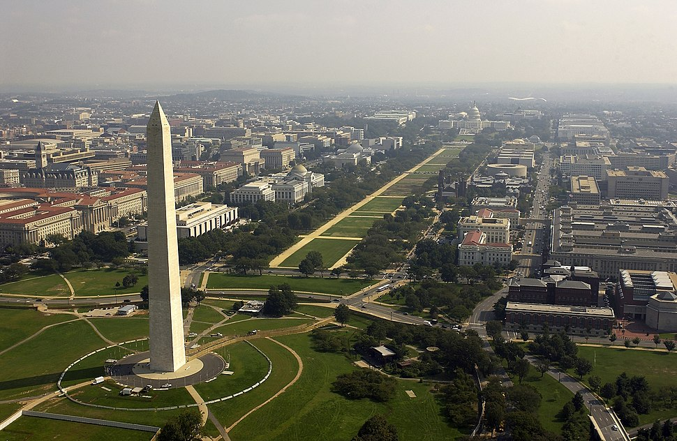 US Navy 030926-F-2828D-307 Aerial view of the Washington Monument