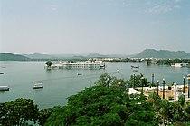 Udaipur Lake India.JPG