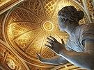 Uffizi Gallery - Daughter of Niobe bent by terror.jpg