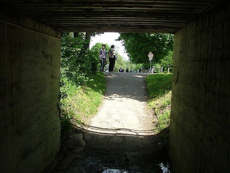 File:Unterführung - panoramio (2).jpg