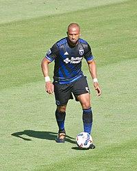 Víctor Bernárdez marcó uno de los goles azules en la final del Apertura  2006. 5914b299d6110
