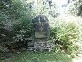 Výhledy - pomník (Jindřich Šimon Baar) Americký pomník v okolí A.jpg