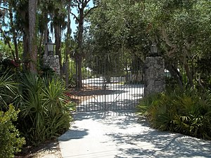 Eagle Point Historic District - Entry gate