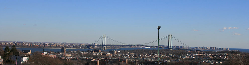 Verrazano-Narrows Bridge connecting the eastern portion of the island to Brooklyn
