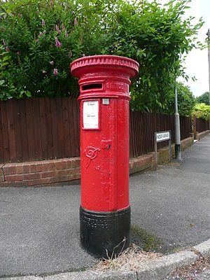Victorian postbox in Windsor Avenue Radyr.JPG