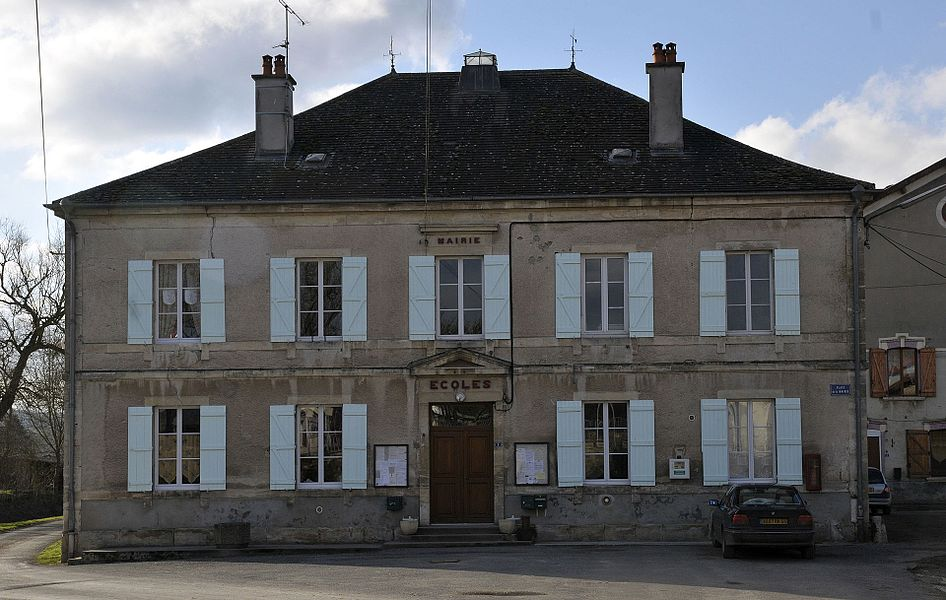 Town hall in Vilosnes-Haraumont