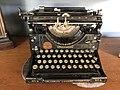 Vintage Underwood Typewriter (48011511697).jpg