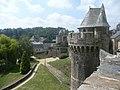 Vue des remparts du château de Fougères.JPG