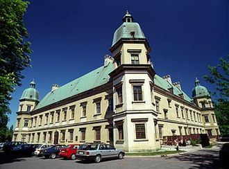 Tourist attractions in Warsaw - The 1624 Ujazdów Castle houses the Center for Contemporary Art.
