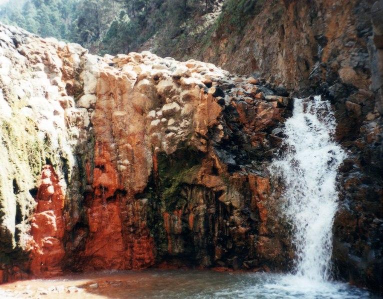File:WasserfallCaldera.jpg