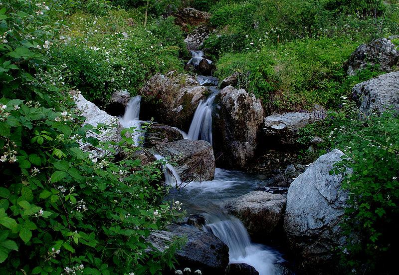 File:Waterfalls in Çataloluk, Osmaniye.jpg