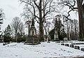 Winter 04 - Lake View Cemetery (24892394647).jpg