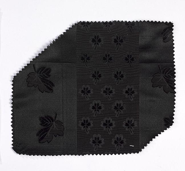 File:Woven Fabric (ST218) - MoMu Antwerp.jpg