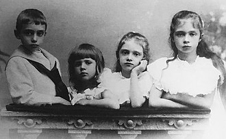 Prince Xavier of Bourbon-Parma - Four of the children of Robert I of Parma and his second wife Infanta Maria Antonia of Portugal. (l- R) : Xavier (1889-1977), Felix (1893-1970), Zita (1892-1989) and Francesca (1890-1978). 1906
