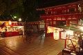 Yasaka Shrine Gate (26861972516).jpg