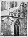 Zuid transeptgevel west vleugel voor en na de restauratie - Leiden - 20134057 - RCE.jpg