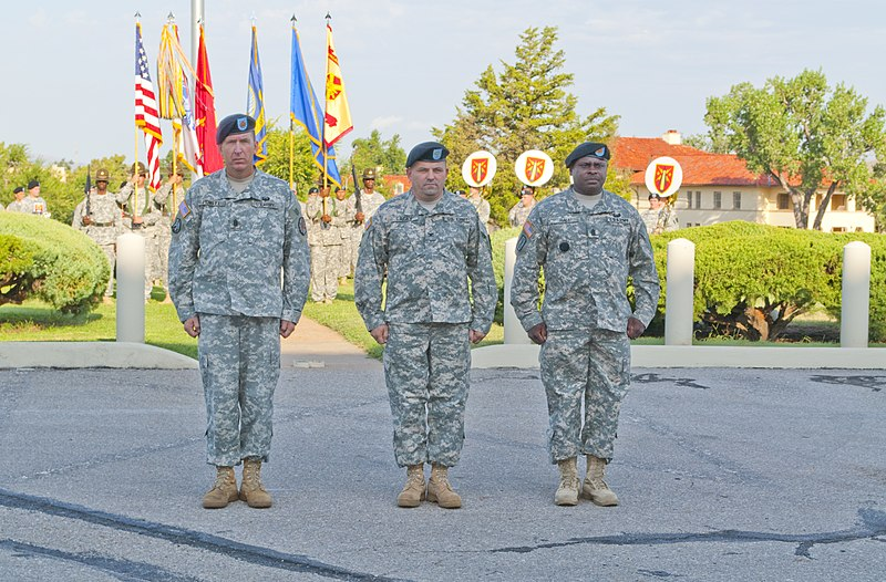 File:(Left to right) Command Sgt. Maj. Jeffery Powell, outgoing Fort Sill Garrison command sergeant major; Col. Raymond Lacey, Fort Sill Garrison commander; and Command Sgt. Maj. Terry Hall, incoming Fort Sill 100831-A-UT312-017.jpg