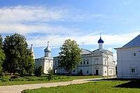 Вид на Троицкий собор с колокольней и церковь Похвалы Богоматери.JPG