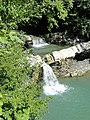 Водопад Изумрудный (Чаша любви) на реке Жанэ - panoramio.jpg