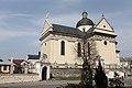 Парафіяльний костел у Жовкві, вид з площі Вічевої.jpg