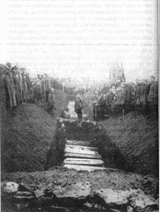Battle for the Donbass (1919) - Burial of miners killed by White forces