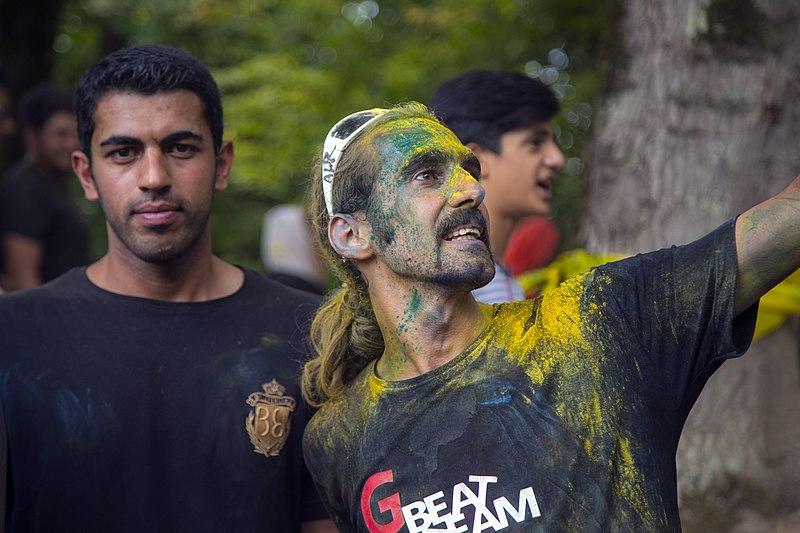 File:فستیوال نبض گرجی محله - جشن رنگ - ورزش های نمایشی و سرسره گلی پوریا میلادی .jpg
