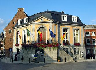 Theux - Image: 0 Theux Hôtel de ville (1)