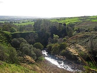 River Garnock - The ravine of Glen Garnock, and Glengarnock Castle.