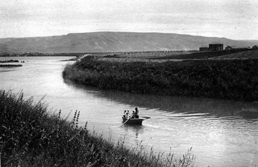 1912 גלויה מצולמת של נרינסקי במוצא הירדן נראים בתי דגניה - iבן ציון יש btm11213.jpeg