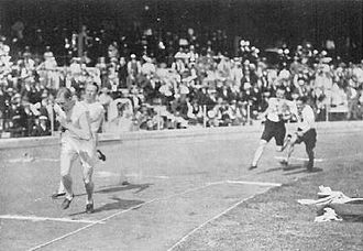 Athletics at the 1912 Summer Olympics – Men's 4 × 100 metres relay - Image: 1912 Athletics men's 4x 100 metre