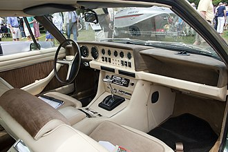 De Tomaso Longchamp - Interior of 1974 Longchamp, with Ford steering wheel and gearshift hardware clearly visible