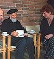 1995-05-02 Der Autor Elazar Benyoëtz bei der Trauerfeier für Rufus Flügge in der Dietrich-Bonhoeffer-Kirchengemeinde in Hannover-Roderbruch, (11).jpg