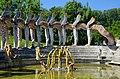 2013 Bruno Weber Skulpturenpark-Führung - Wasserpark - Spinnenbrunnen und 'Flügelhund' 2013-08-02 11-37-43.JPG