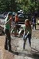 2015 REI Volunteers (21091099123).jpg