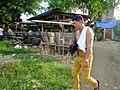 2016-09-28 Cockfighting in Buaya, Lapu-Lapu City, Cebu, Philippines ブアヤ村の闘鶏をする男たち DSCF6705.jpg