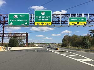 New Jersey Route 133 - Route 133 heading westbound from the new eastern terminus at I-95/NJ Turnpike