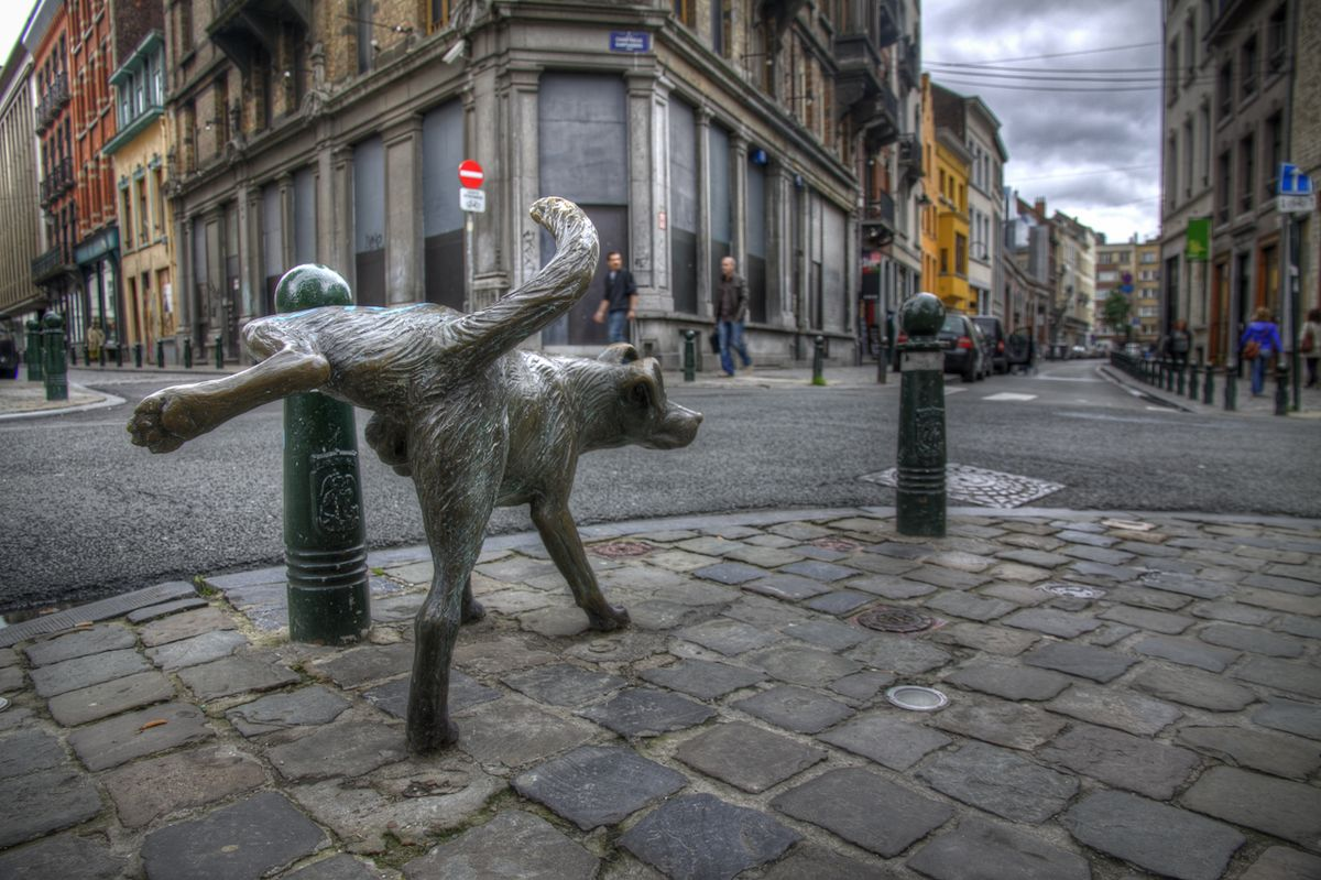 Remarkable, rather Belgian peeing statue have