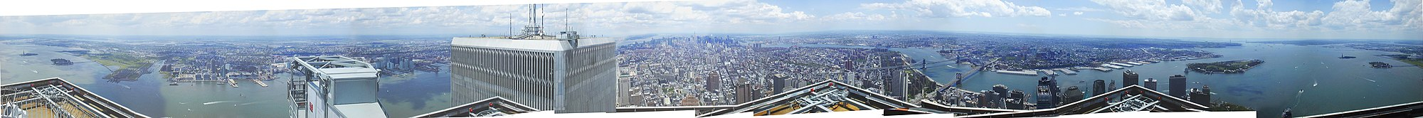 Top of the World; panoramazicht op New York vanaf de South Tower, augustus 2001