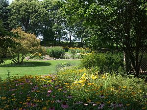 Image of Dawes Arboretum: http://dbpedia.org/resource/Dawes_Arboretum