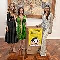 A Presidente do FUSSESP Lucia França recebe a Miss Mundo, Manushi Chhilar (39664598780).jpg