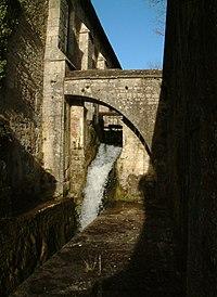 http://upload.wikimedia.org/wikipedia/commons/thumb/d/d3/Abbaye_de_Fontenay_-_La_Forge_1.jpg/200px-Abbaye_de_Fontenay_-_La_Forge_1.jpg