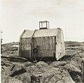 Abri observatoire en Terre Adélie- Archives nationales- 20110210-143.jpg