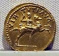 Adriano, aureo, 117-138 ca. 04.JPG