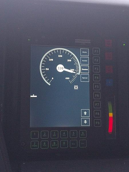 Affichage de la vitesse instantanée (Template:Unité) et de l'ECTSen cabine de conduite.