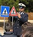 Agente Polizia Municipale educazione stradale.jpg